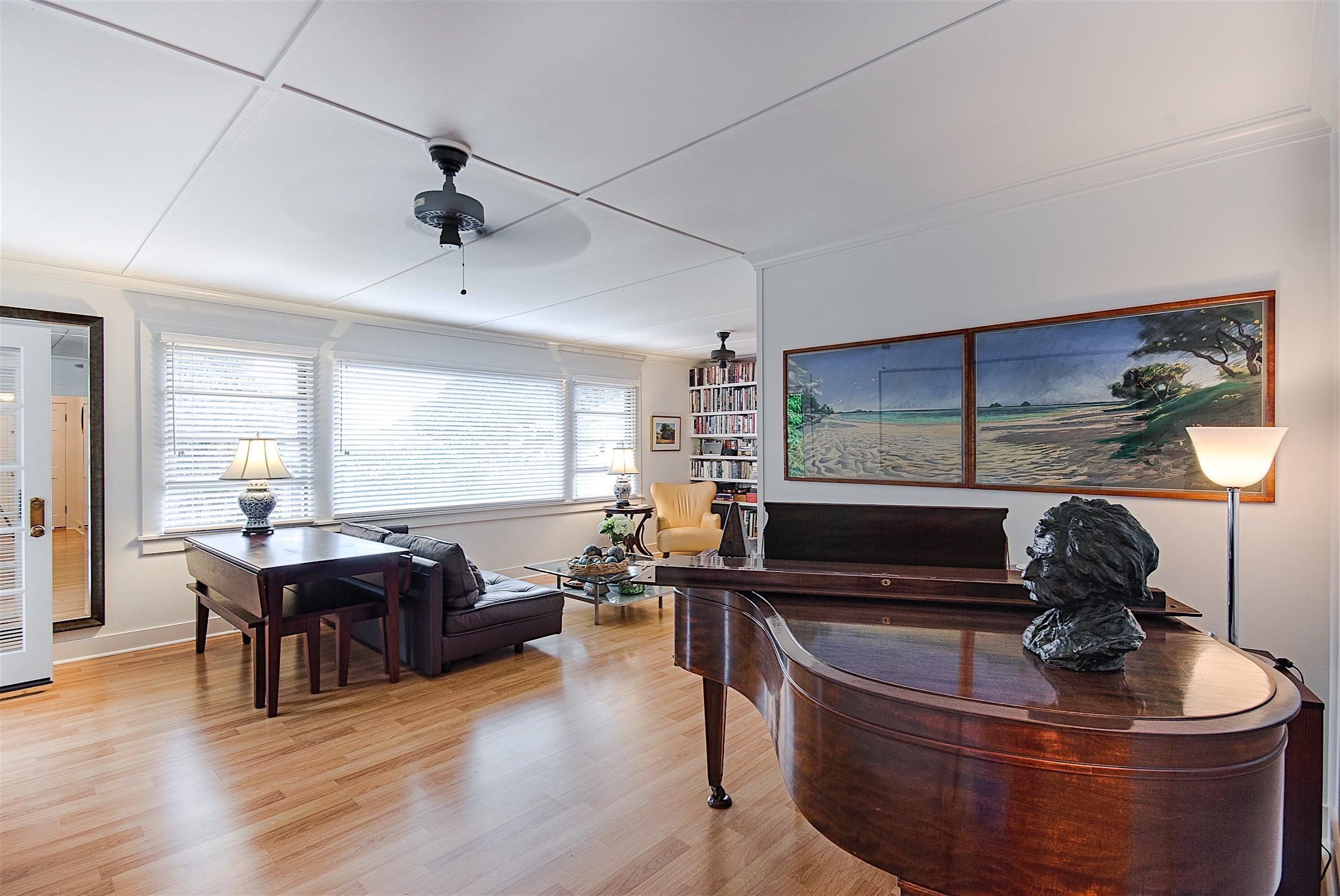 photo of Living Room, Wailuku, Maui Restoration